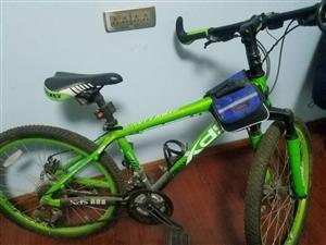 24寸碟刹变速自行车??9成新,基本没上路,现900处理。有意者联系,非诚勿扰!