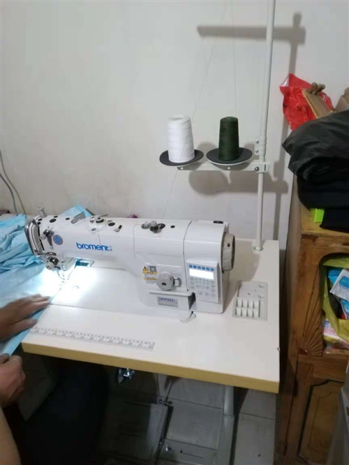 服装厂活全部外发了,出售闲置5台国产巴莫缝纫机1台斯诺克缝纫机,95新!只使用了两个多月!7500元...