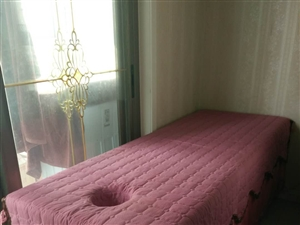 低价处理美容床若干个,九成新,1.9×60,需要的联系,13571089784