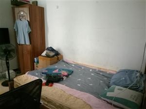 1室 0厅 1卫1060元/月