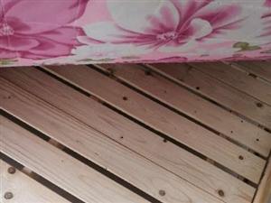 转让新木大床一张,13966817790