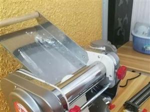 全新家用电动压面机,买回来没用几天,诚心要的联系15353086446