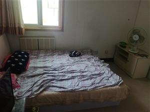 悦湖之珠3室 2厅 2卫1500元/月