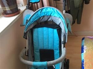 本人家里有一个婴儿车,新买的不倒三月,没用几回,九成新的,孩子不?#19981;?#22312;里面做,所以就便宜处理了,有喜...
