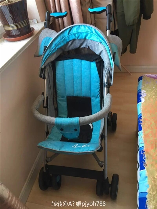 本人家里有一個嬰兒車,新買的不倒三月,沒用幾回,九成新的,孩子不喜歡在里面做,所以就便宜處理了,有喜...