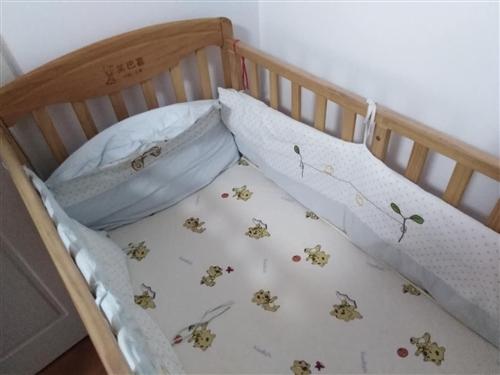 九成新实木品牌婴儿床