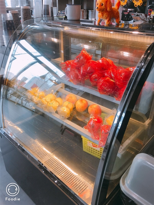 蛋糕柜,冷藏柜低价出售,1000元每台,买来3000,九成新