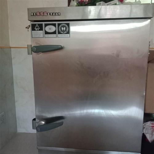 蒸饭柜   (用三相电) 外型尺寸65X52╳110  cm