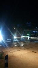 市区晚上大翻斗子车横行
