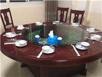 1.8米电动圆桌,加十张椅子,桌椅有不同磨损