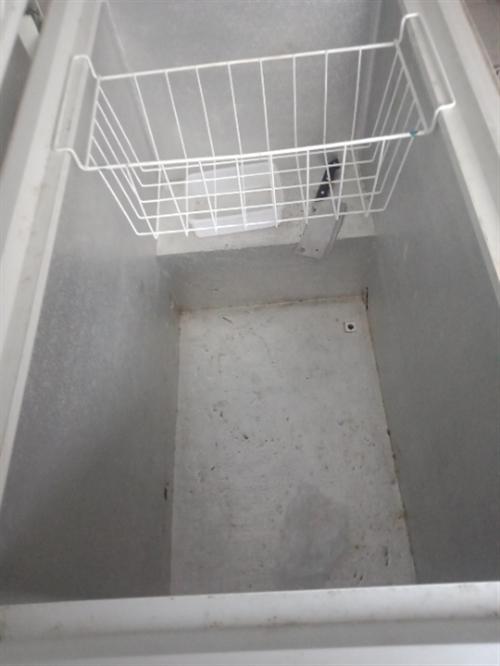 海尔冰柜一台烧气的烤炉一台自用的,现处理。有意价格面意!