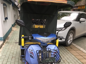 电动三轮车才买一个月,买的时候花了3600因为本人要外地