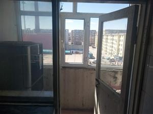 南市場小區1室 1廳 1衛9.5萬元