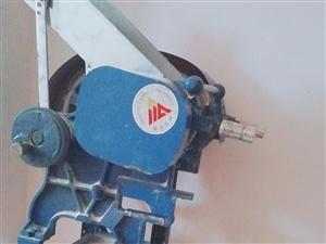 中款新型压面机    占地小,压面功能齐全,价格面谈。 若有需要请电话联系联系:182929332...