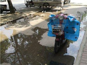 御花园南门对面,下水道堵,味道重,路上有积水,找谁清理