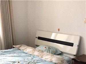 钟点房,日租房3室两卫700/月
