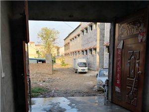 独院出租,水电齐全,面积大可以做仓库和厂房