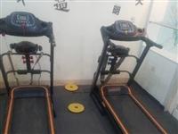 因个人原因现将两台9成新跑步机转让现买跑步机送动感单车,有需要的电话联系:18980286820