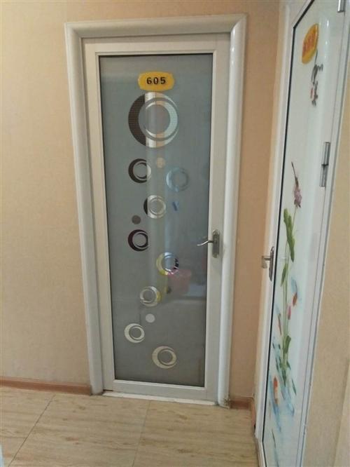 出售玻璃门,足疗沙发需要的联系,门标准的2.05x80