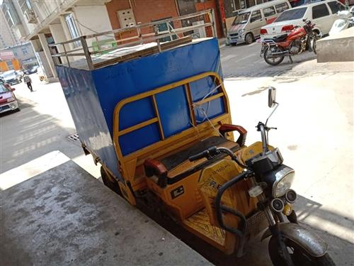 出售闲置电动三轮车快递车,电瓶新换的,车况良好