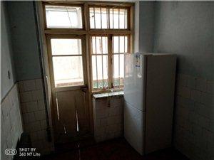 烟厂九栋楼小区1室 1厅 1卫400元/月