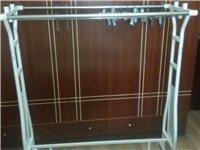 两个处理衣服的架子  服装店随便用 放外面处理衣服 放店内挂衣服都可以  两个一起哈 上门自取 不送...