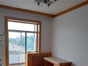 建设路宿舍3室 1厅 1卫900元/月