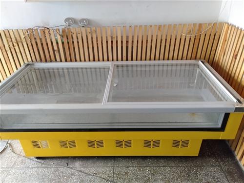 展示柜9成新,桌椅9成新,大桌6张.两个带电磁炉的,两个小桌,还有个大圆桌,价格便宜,有意者面谈,