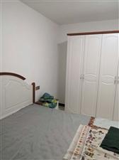 悦湖3室 2厅 2卫1600元/月