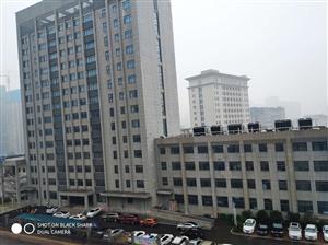 霍邱县公安局楼顶空调外机扰民