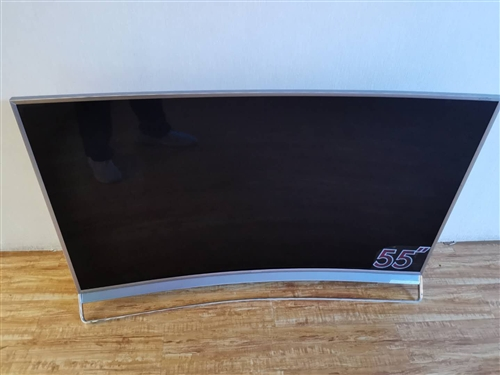 全新海信电视,原价12000,4k超高清uled电视现在只要5000元。有喜欢的联系我!!