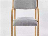 实木椅子 木质带扶手现代简约欧式餐椅餐厅餐桌椅子电脑椅办公原价两百多买的,用了一个多月。全部换中式的...