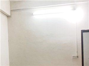 新安路385 3室 2厅 1卫700元/月