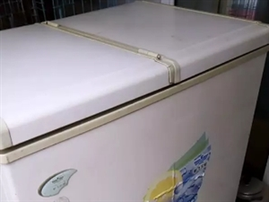 常年不在老家,低价卖洗衣机300元、冰柜400元 原因:本人常年在外打工,毕业后给父母买的全自动洗...