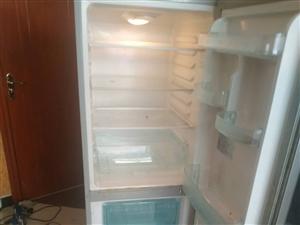 二手冰箱出售有意者联系我非诚勿扰