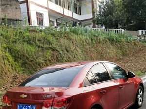 2012年的科鲁兹。手动1.6带天窗。自家用的私人车。有无事故