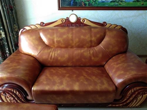 維修各種沙發,換皮革,布料,修彈簧,換海棉,真皮沙發上油,KTV,足浴沙發訂做等
