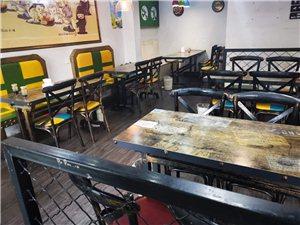 快餐店装修,处理餐桌椅子,收银台,!