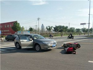 阜���K州路和夏�T路交叉口是否安�b�t�G�簦��常�l生事故