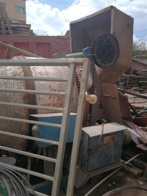在盐源县城内350搅拌机一台只搅过沙桨现在底价处理联系18095009900