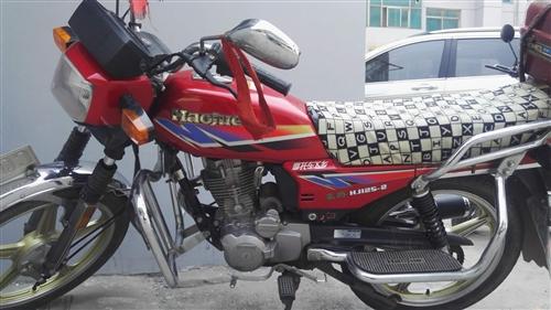 豪爵125摩托,車外觀新車況好,手續全