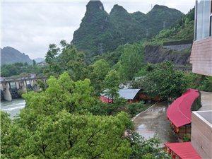 本山庄主要经营范围有:餐饮,休闲,烧烤,烤全羊,儿童游乐场,垂钓,卡拉OK等项目!
