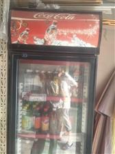 门市搬家,出售展示柜一个,35空调一个,去年买的,用了几个月,展示柜正在使用中