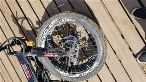 个人闲置山地车自行车电动车助力车 一直闲置着吃灰。上面都是尘土但是车子比较新,好好骑了没15次。 ...