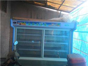 自己一直用着的冷藏保鲜柜,豪华多功能面粥炉50型,和面机25型,现在不用了低价处理,有需求的请联系1...