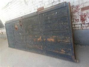 出售�F框木�T,�紊��1.1米,高3米,角�F厚��,一�c毛病�]有,便宜出售,�r格面�h!��1503344...