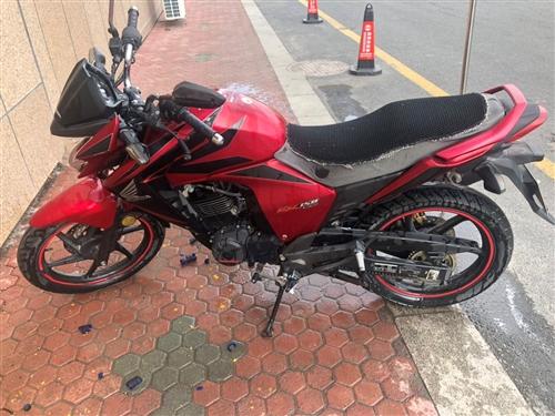 本田幻影150摩托車 11年六月買的。1.8萬公里