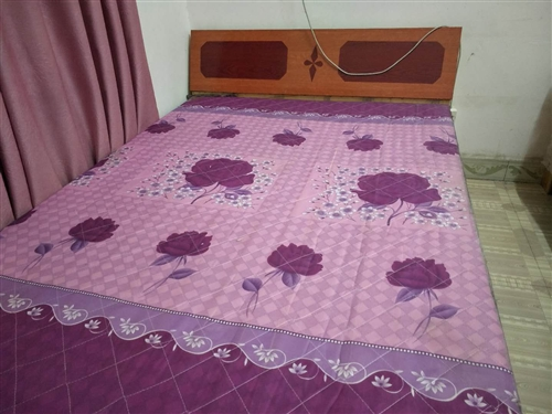 雙人床,原價300,低價處理150
