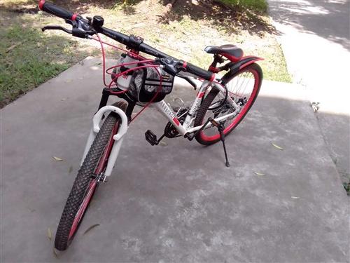出售幾個月的九成新,天津飛鴿山地自行車800元,可以小刀。看車地點:彭山城區。喜歡的朋友聯系暗號:1...