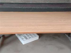 出售:吧�_9成新,�L150。���h桌全新�L240��120。LED�@示屏�L260��40 ��:1523...